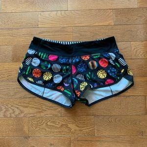 🔥Lululemon Speed Shorts-Seawheeze Circles, Size 6